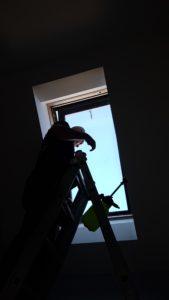 instalacja folii okiennej